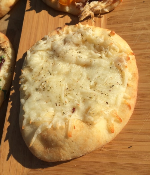 Classic Cheese Naan Pizza Recipe